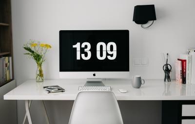 Schreibtisch elektrisch verstellbar